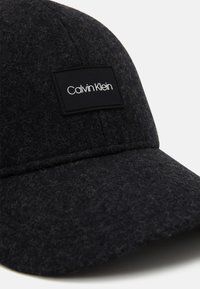 Calvin Klein - Pet - black - 3