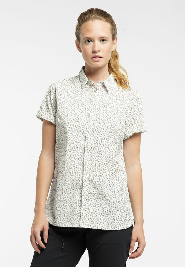IDUN SS SHIRT - Button-down blouse - soft white flower
