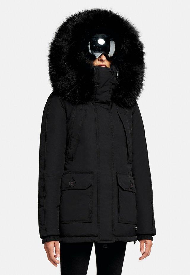 MOUNTAIN CLASSIC - Gewatteerde jas - black