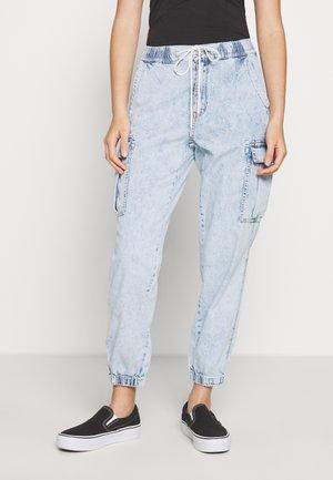 Jeans Tapered Fit - light acid wash