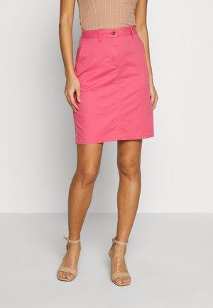 CLASSIC CHINO SKIRT - Pencil skirt - rapture rose