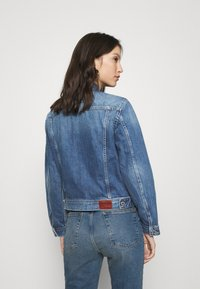 Pepe Jeans - ROSE JACKET - Džínová bunda - denim - 2