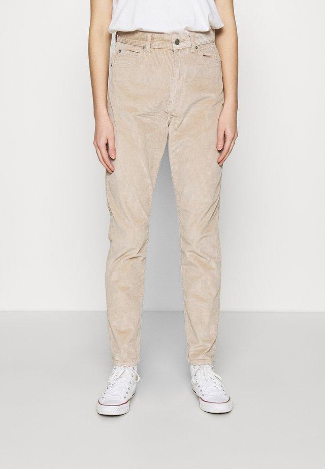 NORA - Pantalones - beige