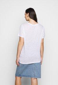 Lee Plus - V NECK  - T-paita - bright white - 2