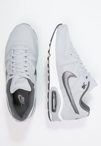 Nike Sportswear - AIR MAX COMMAND - Trainers - wolf grey/metallic dark grey/black/white - 1
