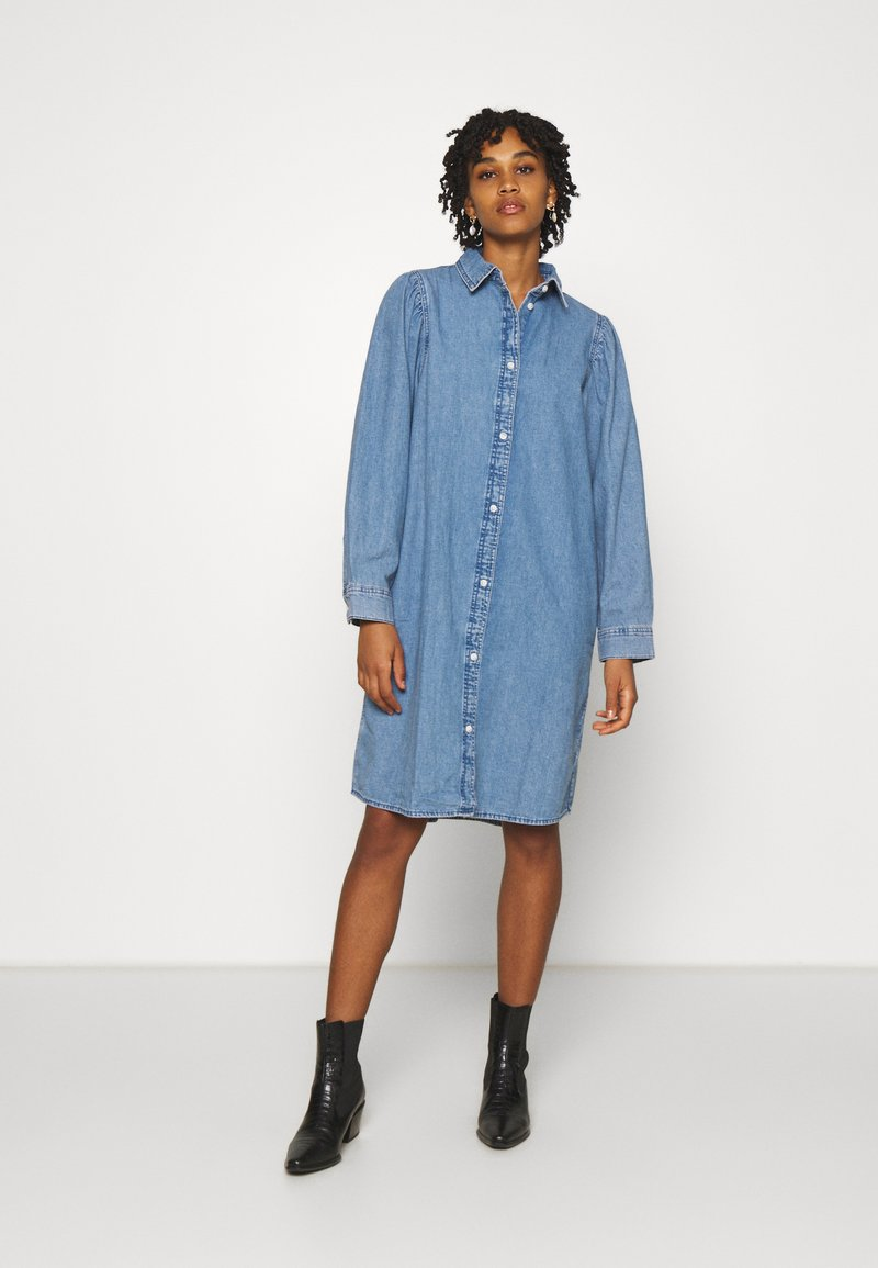 Monki - Denimové šaty - blue medium dusty