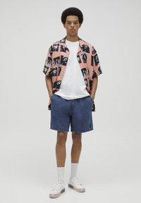 PULL&BEAR - Jeans Short / cowboy shorts - blue black denim - 1