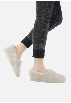 GLOGGNITZ - Slippers - perle