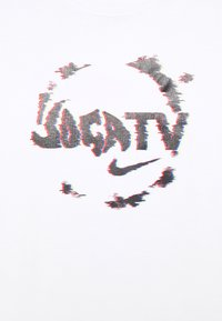 Nike Performance - FC TEE SEASONAL GRAPHIC - T-shirt med print - white - 5