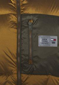 Tommy Jeans - VEST - Vesta - vintage brass - 2