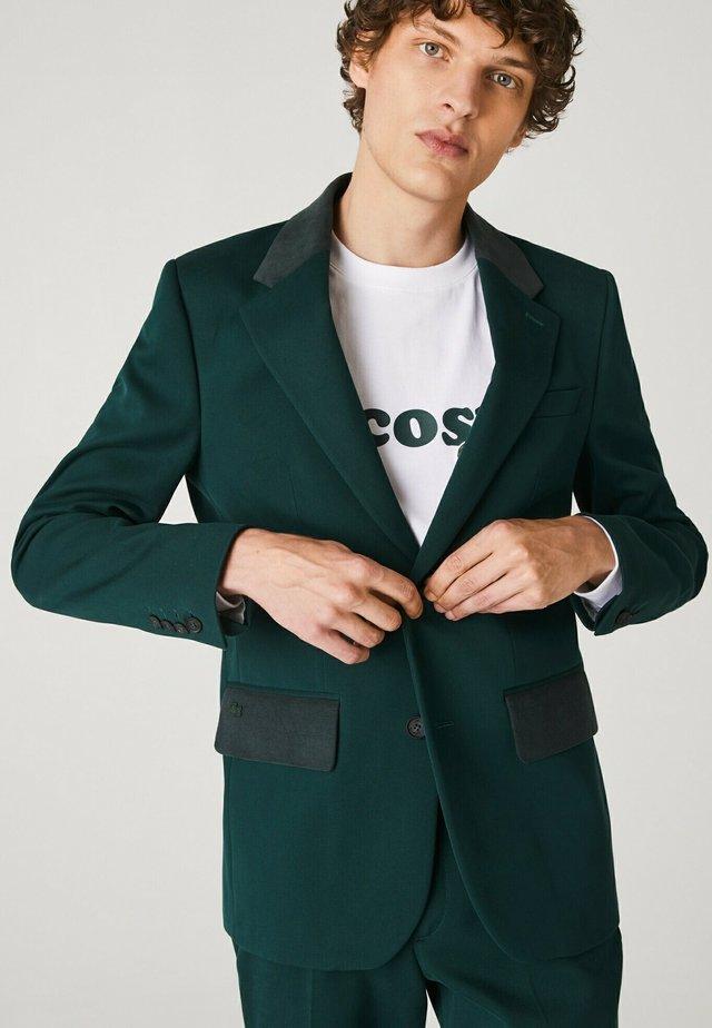 VH1674 - Veste de costume - vert