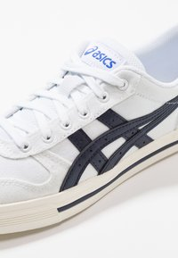 ASICS - AARON - Trainers - white/midnight - 5