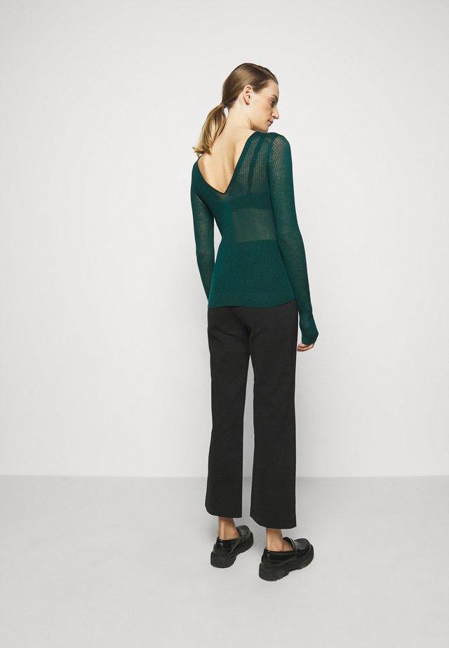 CORSICA - Trui - scarab green