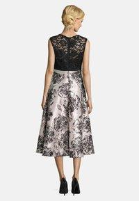 Vera Mont - MIT SPITZE - Cocktail dress / Party dress - black/cream - 1