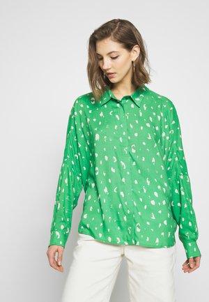 LUCY BLOUSE - Skjortebluser - green