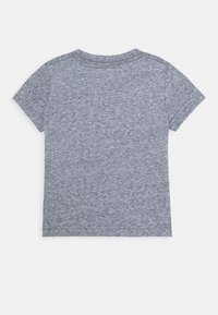 Levi's® - SPORTSWEAR LOGO - T-shirt print - dress blues snow yarn - 1