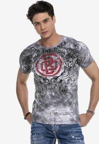 Cipo & Baxx - Print T-shirt - anthracite - 3