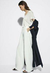 Massimo Dutti - Pantalon classique - white - 2