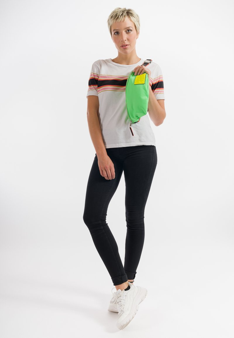 SURI FREY - LABEL FIVE - Bum bag - green/yellow