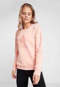 adidas Performance - CREW - Sweatshirt - glow pink - 0