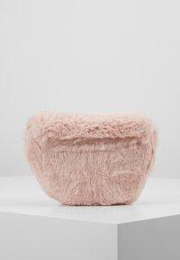 Cotton On - CROSSBODY SADDLE BAG - Umhängetasche - pink - 3