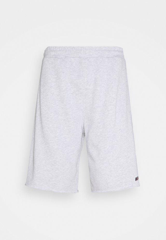 BERMUDA SHORTS - Sportovní kraťasy - grey