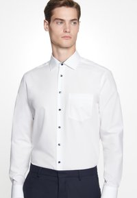 Seidensticker - REGULAR FIT - Formal shirt - white - 2