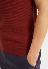 WE Fashion - MET STRUCTUUR - Poloshirt - red - 4