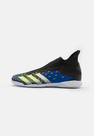 PREDATOR FREAK .3 LL IN - Indoor football boots - core black/footwear white/solar yellow