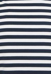 Vila - VITINNY  - Spódnica ołówkowa  - snow white/navy blazer stripes - 2