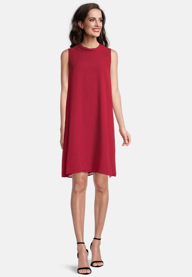 Day dress - jewel red