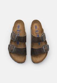 Birkenstock - ARIZONA UNISEX - Pantoffels - faded khaki - 3