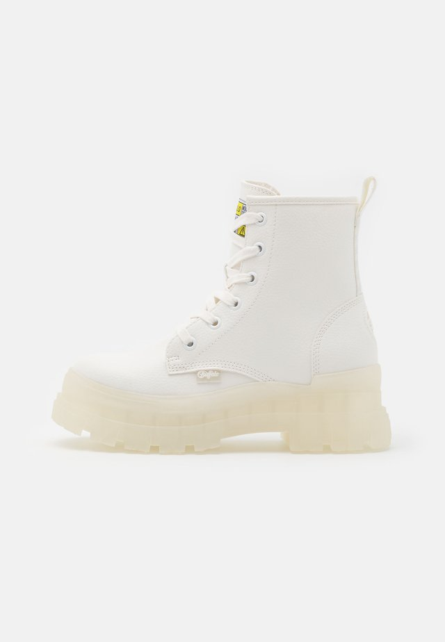 ASPHA RLD - Platform ankle boots - white