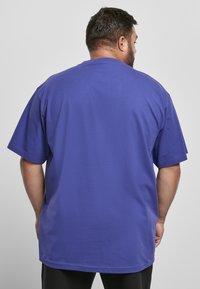 Urban Classics - T-shirt - bas - bluepurple - 2
