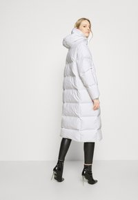 Guess - ADIVA JACKET - Down coat - true white - 2