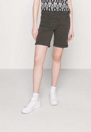 VMHONNISEVEN LONG FOLD - Kratke hlače iz džinsa - beluga