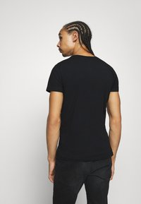 Diesel - UMTEE RANDAL 3 PACK - Basic T-shirt - black - 2