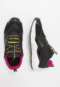 Timberland - RIPCORD LOW SNEAKER - Trainers - black/pink - 1
