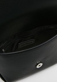 TOM TAILOR - LOU FLAPBAG - Across body bag - black - 4