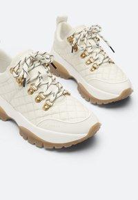 Uterqüe - Sneakers laag - white - 4