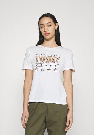 SLIM TEE - T-shirt z nadrukiem - white