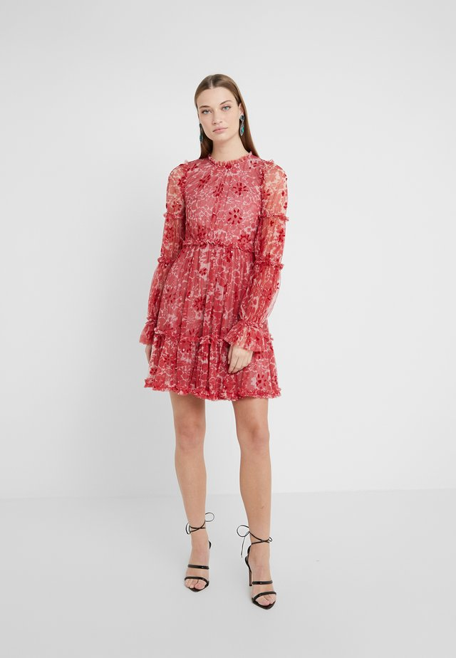 ANYA EMBELLISHED DRESS - Korte jurk - cherry red