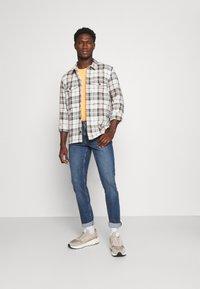 TOM TAILOR DENIM - PIERS  - Slim fit jeans - super stone blue denim - 1