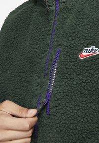 Nike Sportswear - VEST WINTER - Väst - green - 4