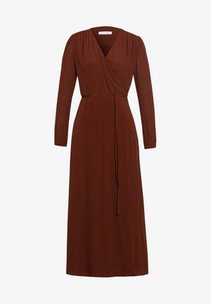 LIME - Robe longue - Carmin