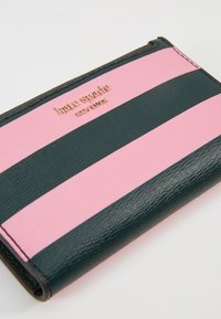 kate spade new york - SYLVIA STRIPE SMALL SLIM BIFOLD WALLET - Geldbörse - pink - 2