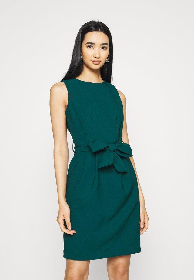 Shift dress - emerald green