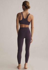 OYSHO - Sports bra - dark purple - 2