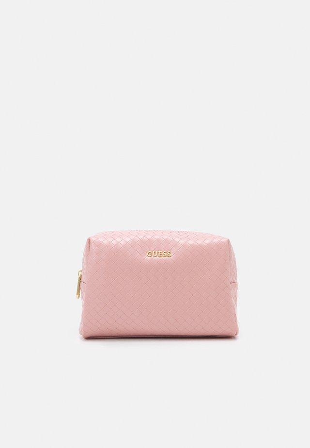 EMELYN LARGE TOP ZIP - Kosmetická taška - rose