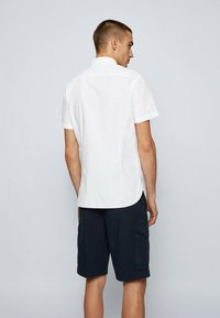 BOSS - MAGNETON - Shirt - weiß - 2